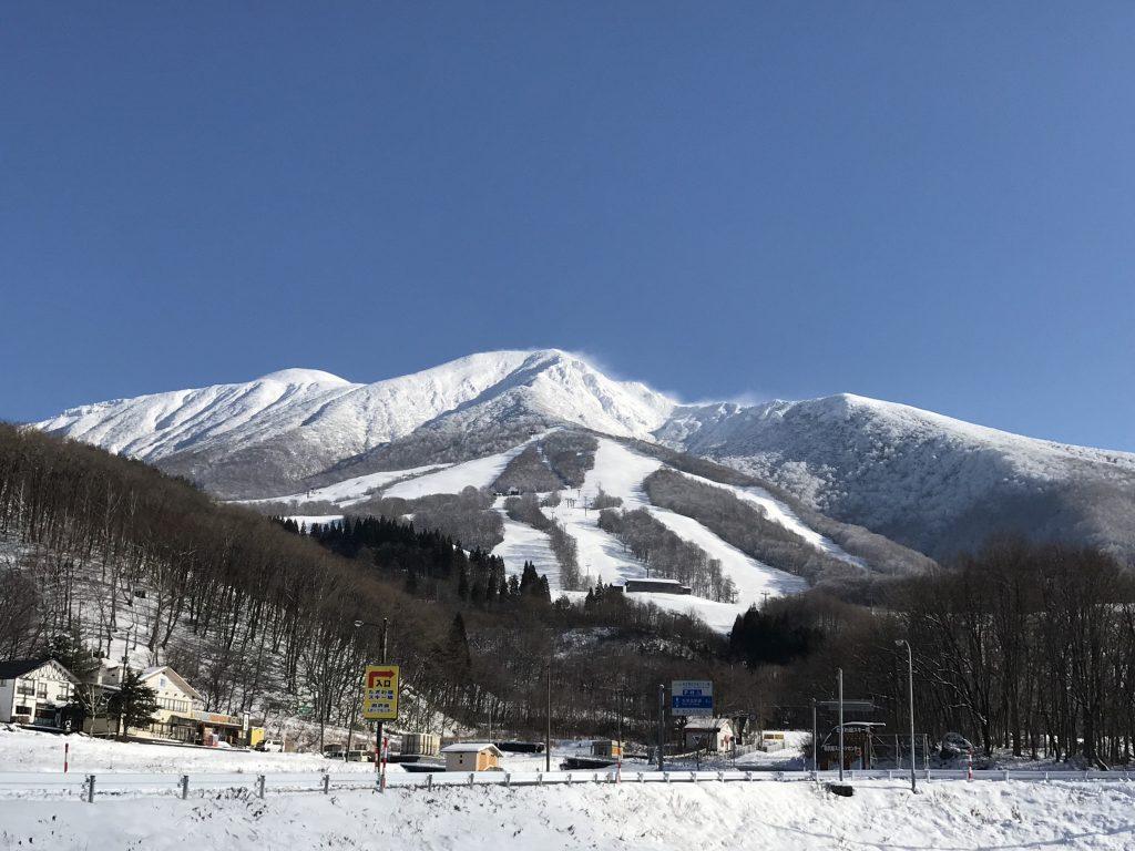 秋田駒ヶ岳とたざわ湖スキー場の現在